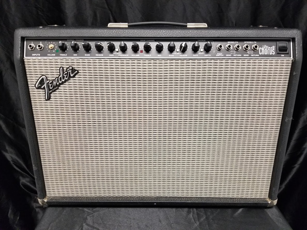 used fender usa ultimate chorus 2x12 guitar combo amplifier. Black Bedroom Furniture Sets. Home Design Ideas