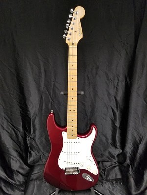 (USED) Fender MIM FSR Stratocaster Electric Guitar, Candy Apple Red